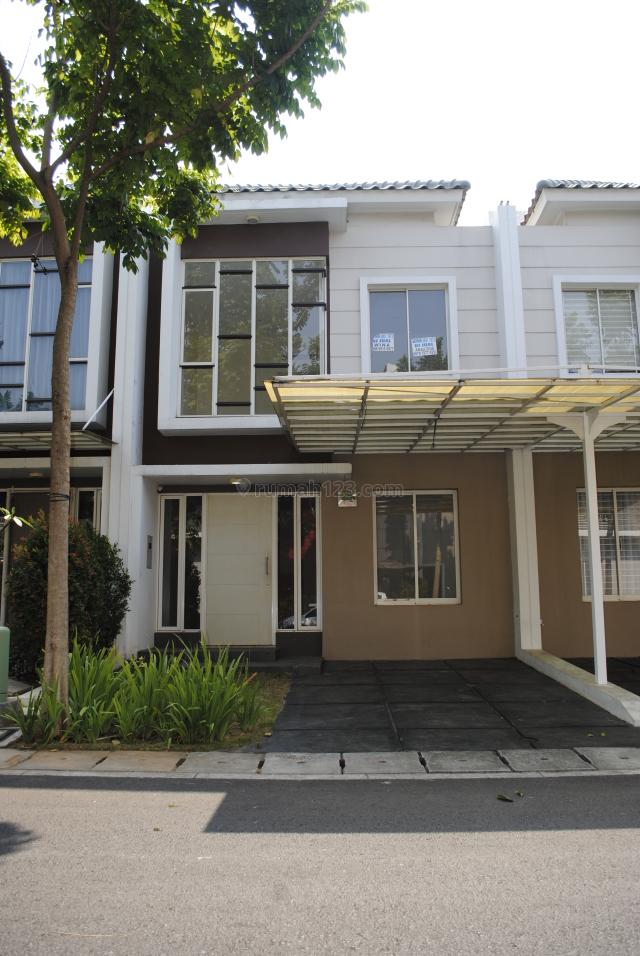 Rumah di Green Lake City , Cluster Amerika Uk.6x15 m2 , AC 5 unit , Hrg: 55 jt / thn, Green Lake City, Jakarta Barat