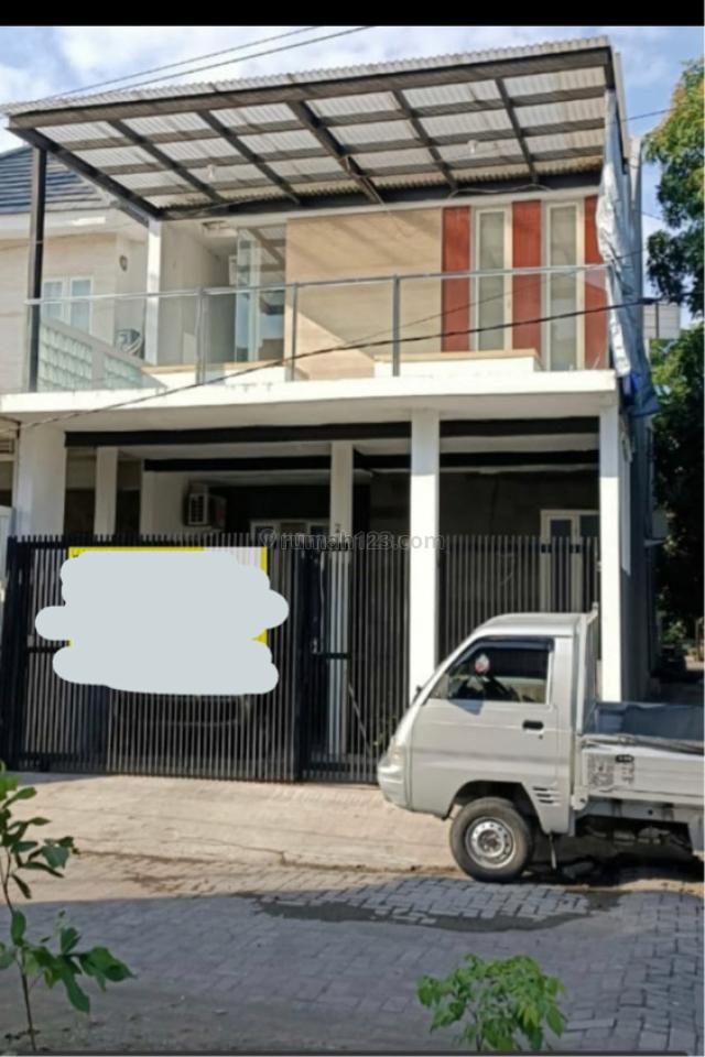 Rumah minimalis 2 lantai terawat di rungkut asri surabaya, Rungkut, Surabaya