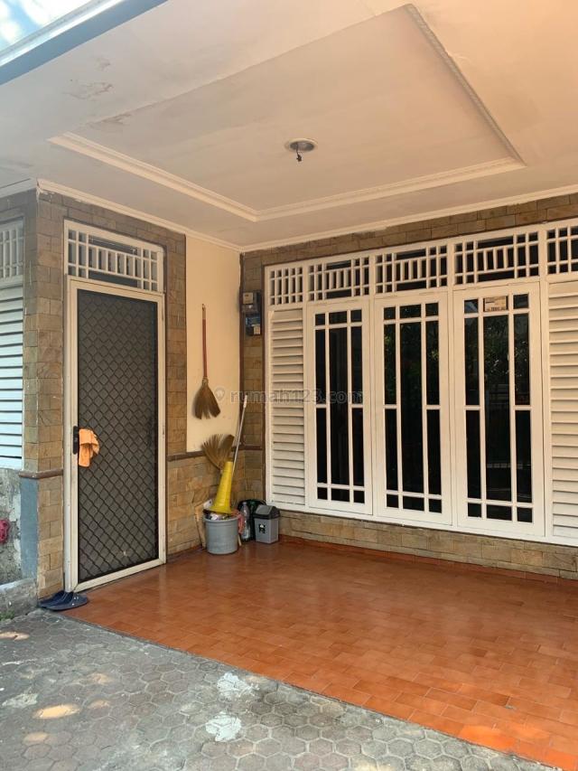 Rumah Taman Meruya Ilir, Kembangan, Jakarta Barat. 2 Lantai Dengan Carport, Kembangan, Jakarta Barat