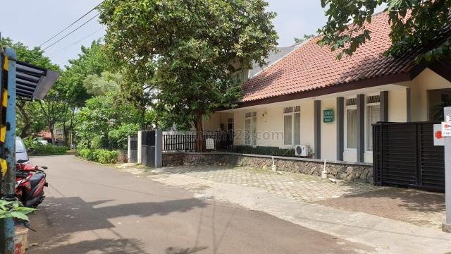 Rumah luas pusat komersial gatot subroto jakarta selatan, Gatot Subroto, Jakarta Selatan