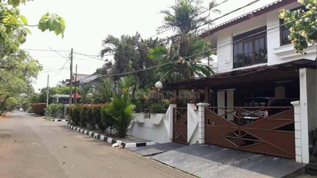 Rumah Hook di Karang Tengah Lebak Bulus, Lebak Bulus, Jakarta Selatan