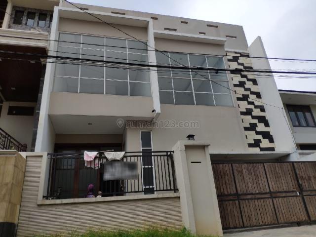 Rumah Dekat Lokasi Komersil Pusat Kota Pejaten Ps Minggu Jaksel, Pasar Minggu, Jakarta Selatan