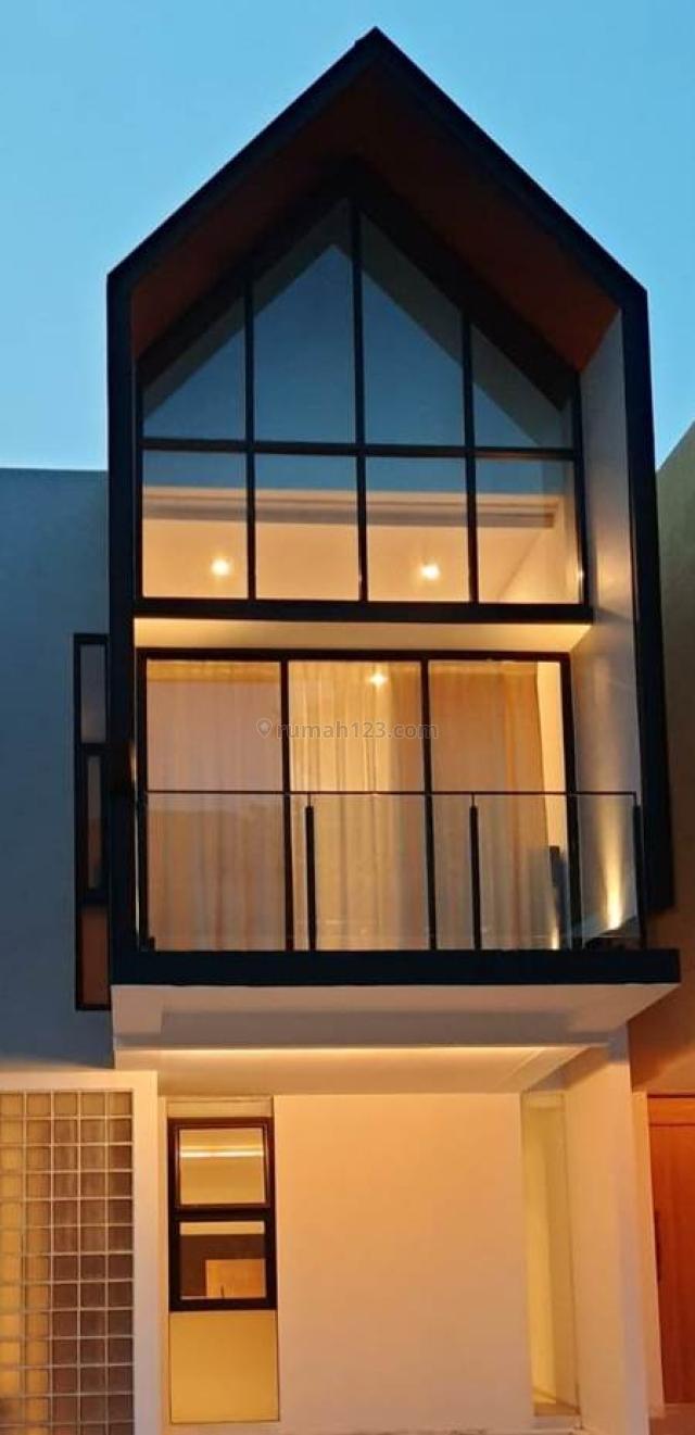 Rumah Baru Harga TERBAIK di Jakarta Selatan, Lokasi sangat strategis dekat perkantoran TB Simatupang namun memiliki view pemandangan, Cilandak, Jakarta Selatan