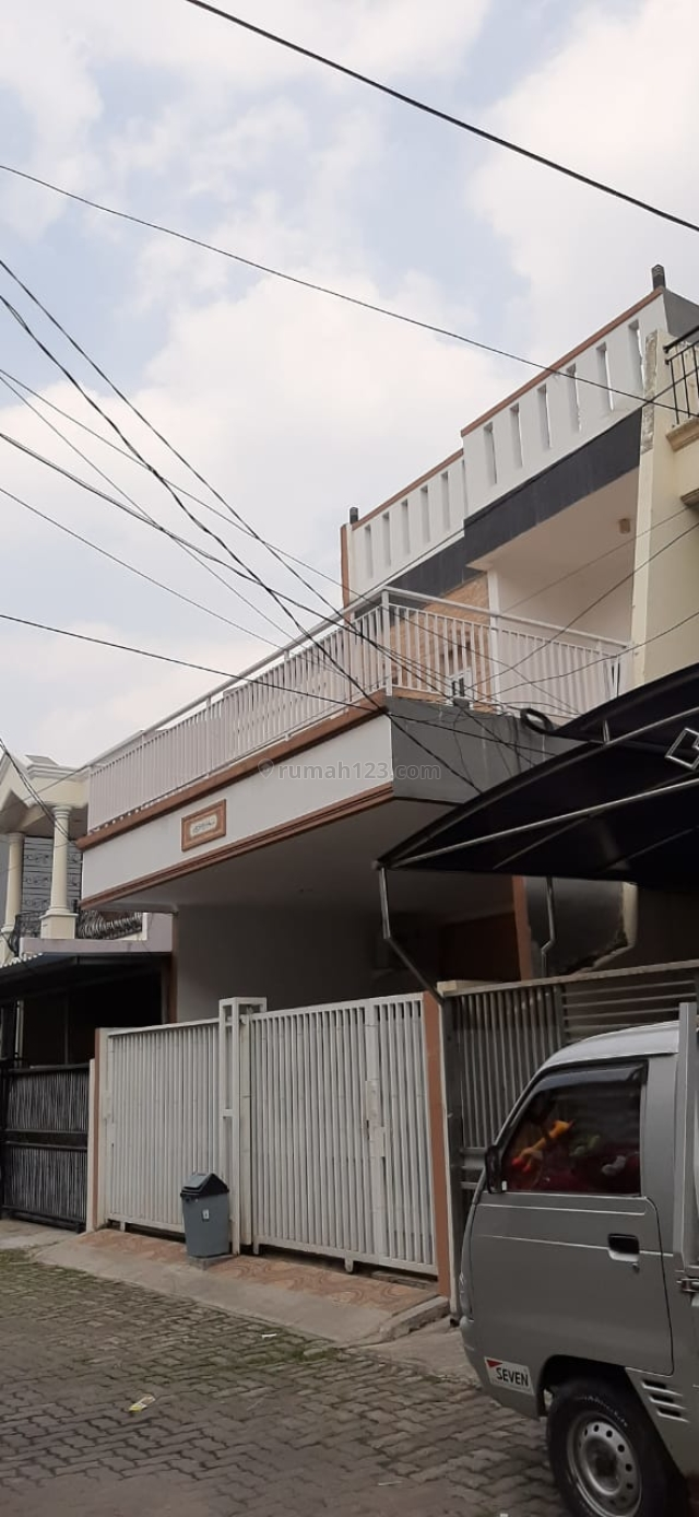 RUMAH BAGUS KOMPLEK DANAU INDAH UKU 6X18 LOKASI STRATEGIS 2.5 LANTAI HADAP TIMUR HARGA BAGUS JARANG ADA NEGO., Sunter, Jakarta Utara