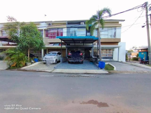 TOWN HOUSE OCEAN BLISS PASIR PUTIH, FULL RENOVASI DAN FURNISH, Batam Centre, Batam