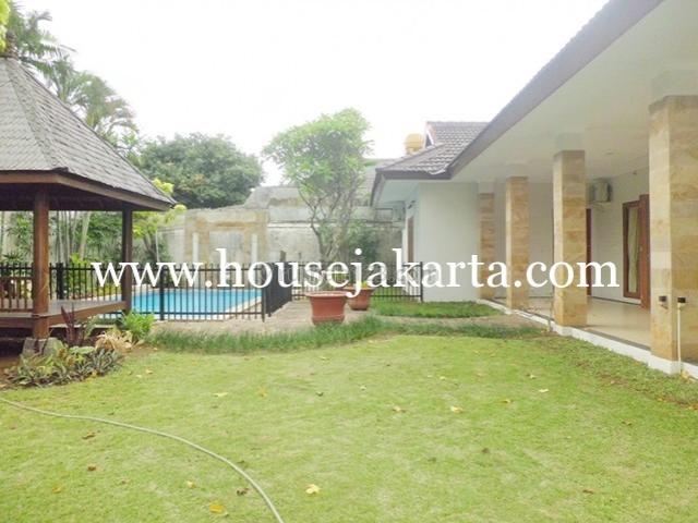 House for lease at Jeruk Purut nice and modern house near to kemang, Cilandak, Jakarta Selatan