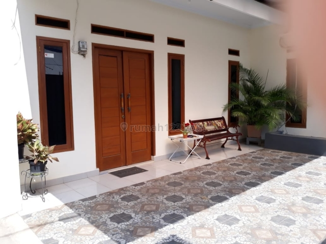 Rumah induk dan 5 kontrkan dan 2kios di Jagakarsa, Jagakarsa, Jakarta Selatan