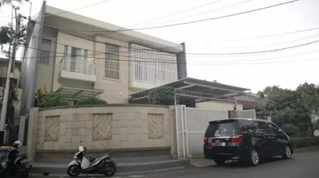 Rumah Semi Furnish di Jln Niaga Hijau Komplek Pondok Indah Jakarta Selatan, Kebayoran Lama, Jakarta Selatan