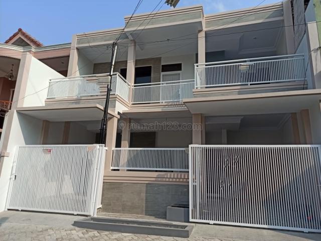 Rumah Baru Putih Minimalis 2 lantai luas 121m di Harapan Indah Bekasi, Bekasi Barat, Bekasi
