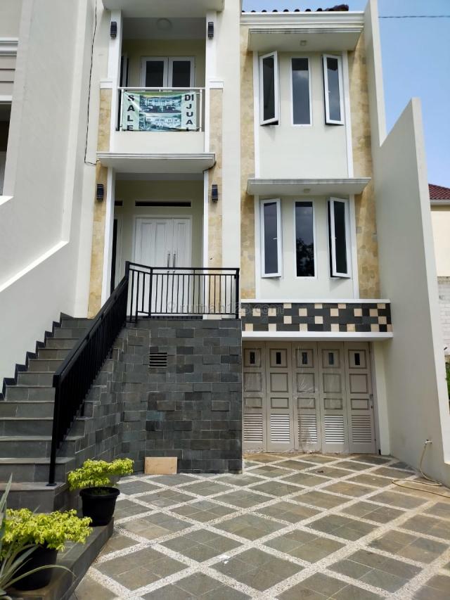 Rumah Mewah di Cluster Kecapi Mansion Jagakarsa Jakarta Selatan, Jagakarsa, Jakarta Selatan