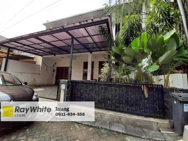 Rumah plus taman belakang di Veteran jaksel, Veteran, Jakarta Selatan