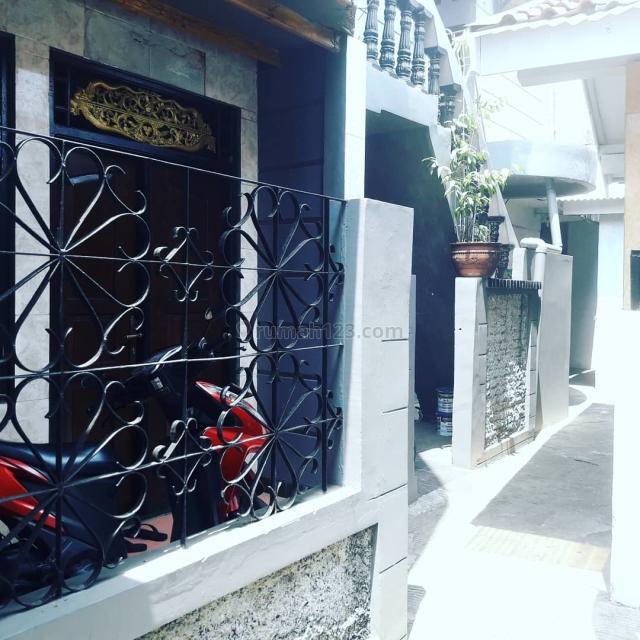 Rumah lama  layak huni ada kos kosanya, Antasari, Jakarta Selatan