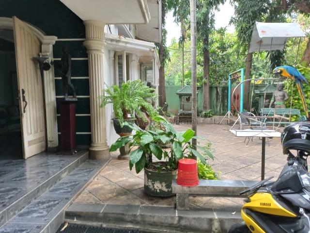 Rumah 4BR di jl Banyumas Menteng Jakarta Pusat, Menteng, Jakarta Pusat