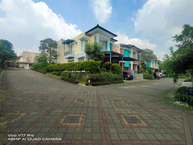 Rumah 2 Lantai dalam Townhouse dekat TOL DESARI Ciganjur JAGAKARSA JAKARTA SELATAN, Jagakarsa, Jakarta Selatan