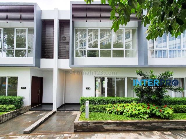Rumah BARU Townhouse Puri Mansion Exclusive Langsung Hadap Kolam dan Taman - Siap Huni!, Puri Mansion, Jakarta Barat