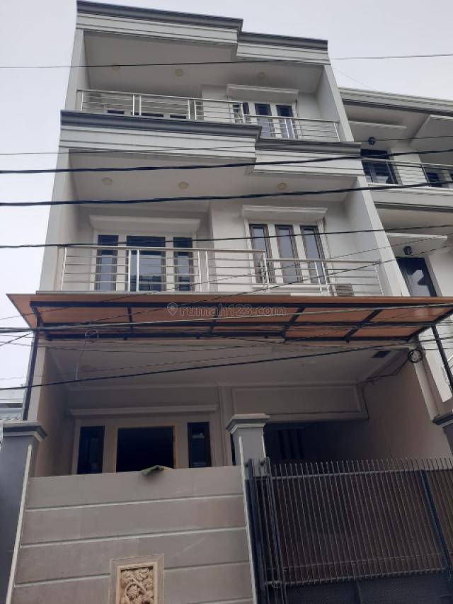 Rumah minimalis 3 lantai di Tanjung Duren, Tanjung Duren, Jakarta Barat