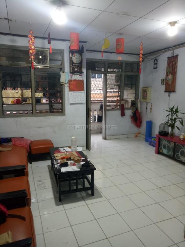 Rumah Pademangan, bangunan 3 lantai, siap huni, Pademangan, Jakarta Utara