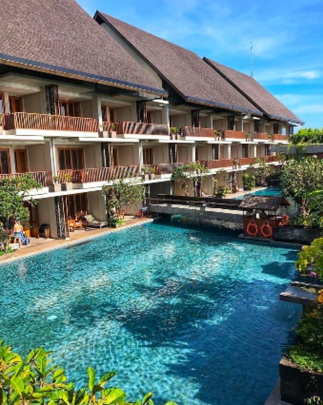 Beach front suite hotel in Berawa Bali, Tibubeneng, Badung