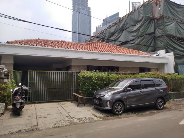 Rumah Cantik dan Strategis, Menteng, Jakarta Pusat