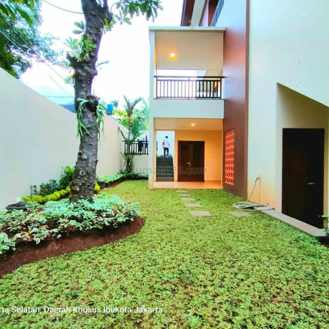Rumah Baru Mewah Dilengkapi Lift Cocok Untuk Orang Tua di Kemang, Kemang, Jakarta Selatan