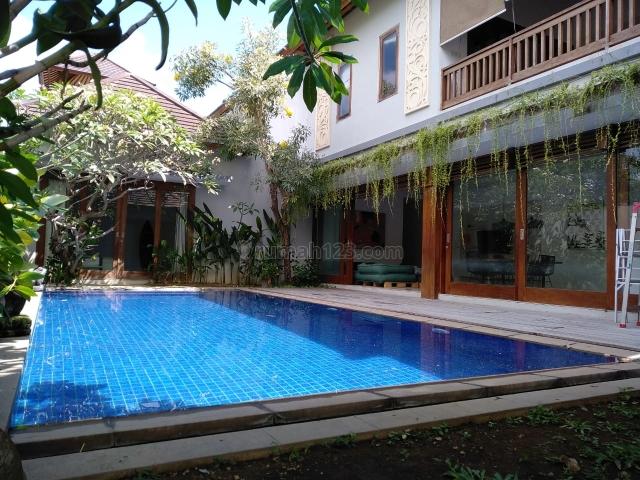 Villa Mewah 3 Kamar Dekat Finns Beach Club Pantai Berawa, Canggu, Badung
