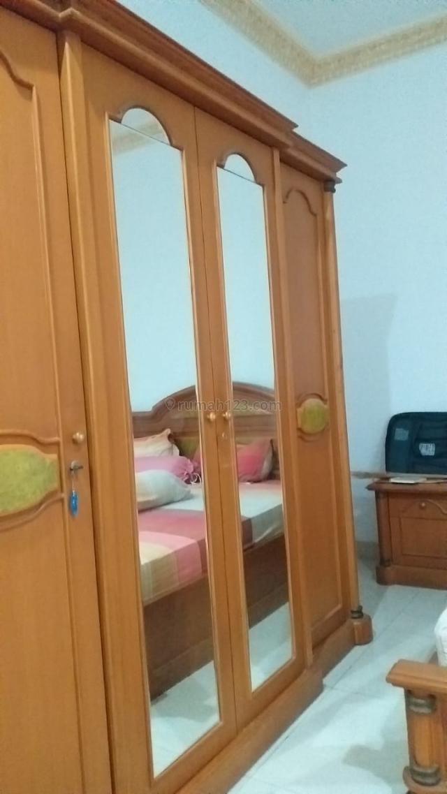 Rumah besar, bersih dan nyaman dihuni ingin dikontrakan di puri indah jakarta barat, Kembangan Selatan, Jakarta Barat