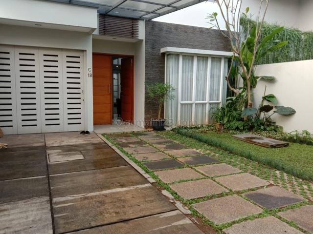 Rumah Bagus di Casamora Town House, Cilandak Tengah, Cilandak, Jaksel, Cilandak, Jakarta Selatan