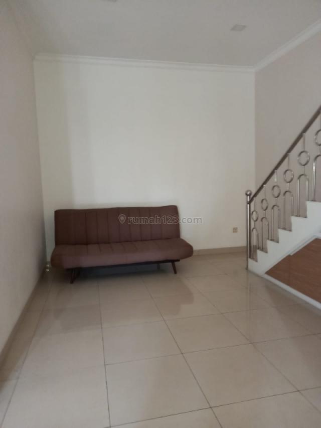 Rumah di Cluster West Europe, Greenlake City, uk 8x15, hoek, Harga 85jt/thn, Jakarta Barat, Green Lake City, Jakarta Barat