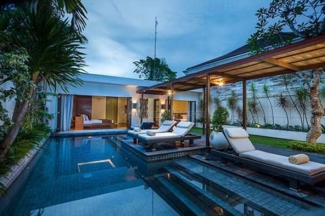 VILLA BATU BELIG 2 BEDROOMS WITH 400sqm FREEHOLD LAND, IDR 10BIO NEGO, Batu Belig, Badung