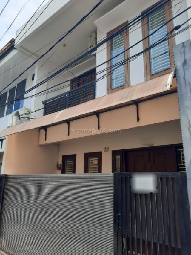 rumah minimalis dan siap pakai, Tanjung Duren, Jakarta Barat