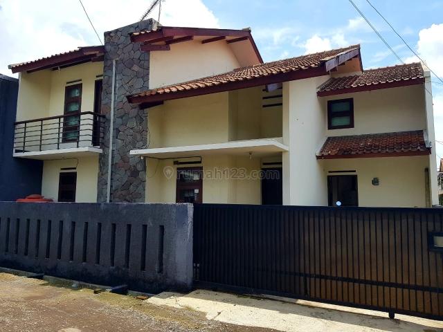 Rumah dijual 2 lantai, 4 kamar hos7388349   rumah123.com