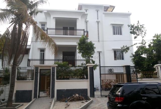 Rumah Hoek Hitung Tanah di Kelapa Gading Jakarta Utara, Kelapa Gading, Jakarta Utara