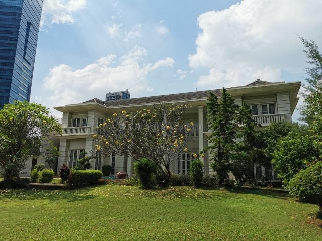 Rumah Mewah dikawasan bisnis, Kuningan, Jakarta Selatan