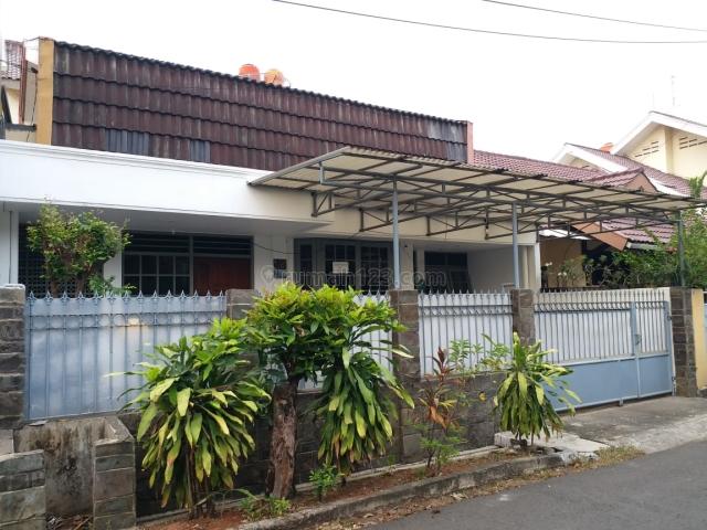 Rumah di Taman Meruya Ilir, bebas banjir, Meruya, Jakarta Barat