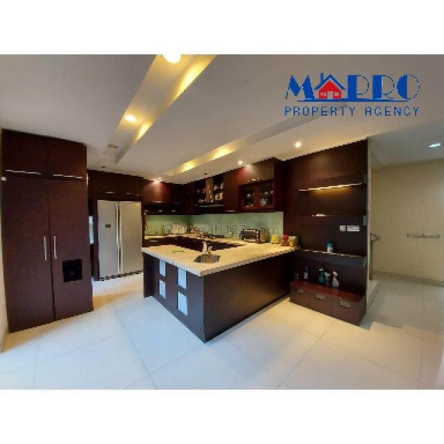 rumah cantik BGM - PIK 10x18 renov, Pantai Indah Kapuk, Jakarta Utara