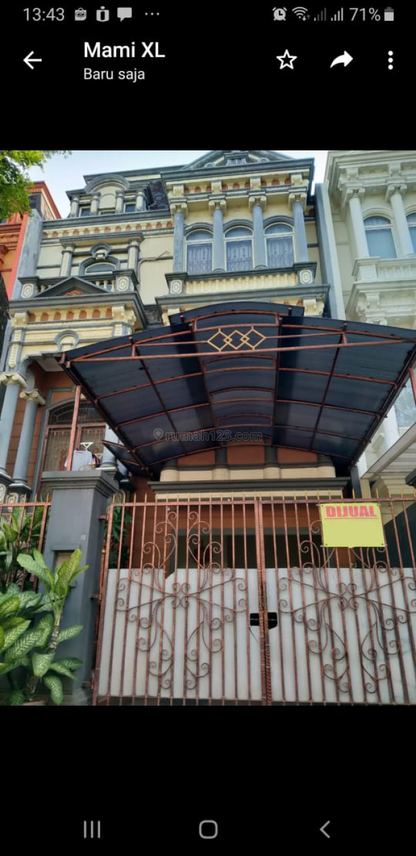 Rumah 3 Lantai di Pantai Indah Kapuk, Pantai Indah Kapuk, Jakarta Utara