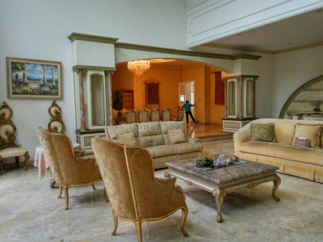Rumah Asri di Cluster Elite Mediterania Resort Pik, Pantai Indah Kapuk, Jakarta Utara