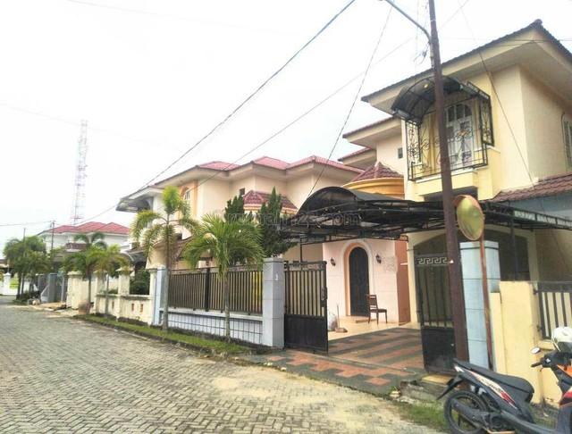 Dijual rumah komplek cluster daerah Sudirman belakang kantor DPRD provinsi., Bukit Raya, Pekanbaru
