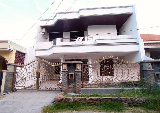 Rumah 2 lantai Delta Sari Indah Bagus habis renov, Waru, Sidoarjo