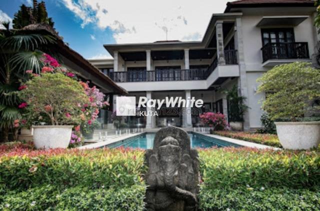 Luxury Villa Close To Four Seasons Resort Jimbaran, Jimbaran, Badung