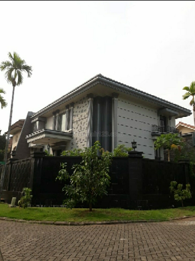 Rumah Hoek Minimalis Modern di Pantai Indah Kapuk, Pantai Indah Kapuk, Jakarta Utara