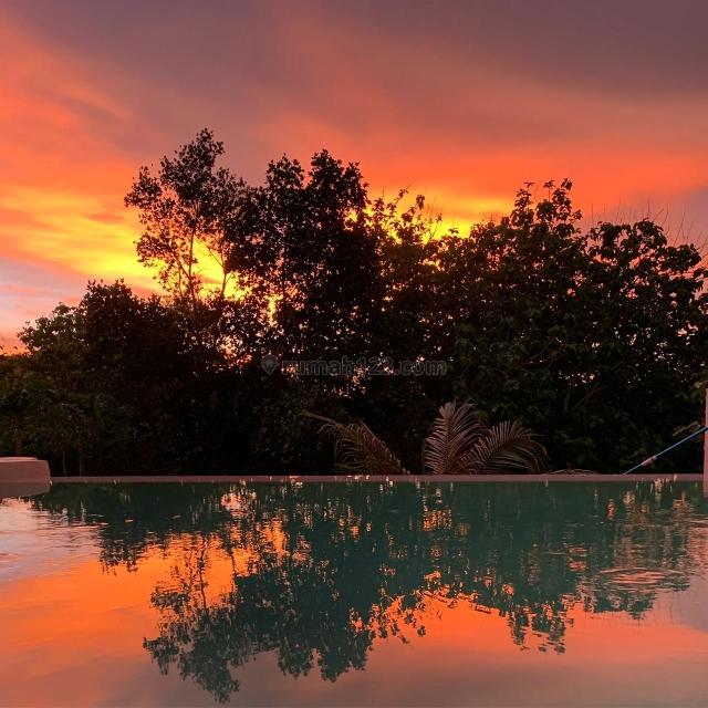 Romantis Sunset view villa, Desain keren dilengkapi kolam renang. Berada di lokasi terbaik. Full furnish, murah, negotiable, Labuan Bajo, Manggarai Barat