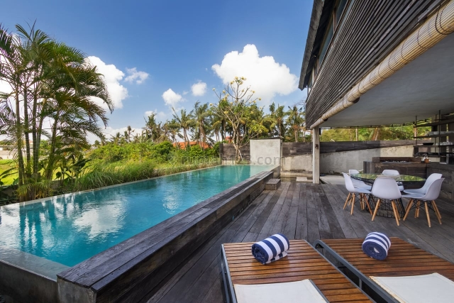 LUXURY VILLA CANGGU 295sqm LAND, 3 BEDROOM WITH RICEFIELD VIEWS, Canggu, Badung