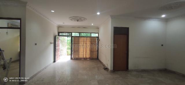 Rumah Lebar, Jarang Ada, Sunrise Garden, Jakarta Barat