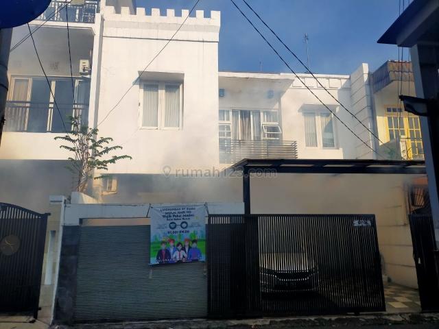 Rumah Minimalis furnished, Tebet, Jakarta Selatan