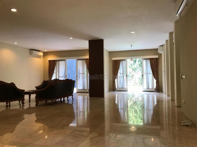 Rumah Bagus Siap Huni di Jl. Duta Permai III, Pondok Indah, Pondok Indah, Jakarta Selatan