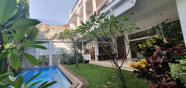 """House for rent in Kemang area """"Price Can Be Negotiable"""", Kemang, Jakarta Selatan"""