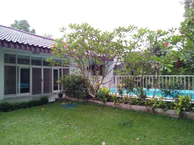 """Comfortable, Classic and Beautiful House In Kemang For Expatriat and Others """" The Price Can Be Negotiable """", Kemang, Jakarta Selatan"""