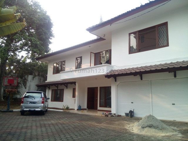 """Classic house and have big garden in area Kemang"""" The price can be negotiable """", Kemang, Jakarta Selatan"""