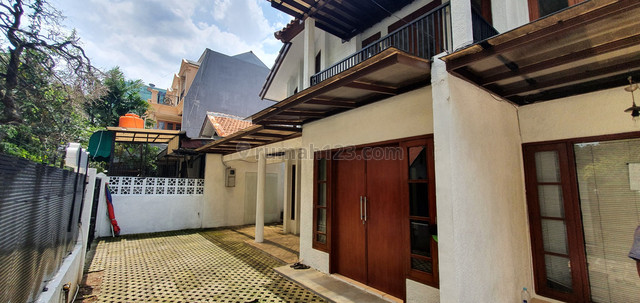 "House for in Senayan area ""The price can be negotiable, Senayan, Jakarta Selatan"